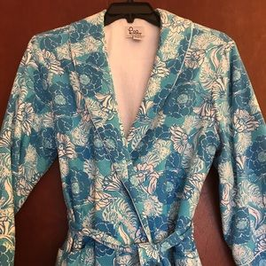Bathrobe and colors of blue with flowers
